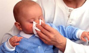 Насморк у годовалого ребенка: почему насморк затягивается?