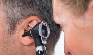 Отит: симптомы, лечение, капли в уши